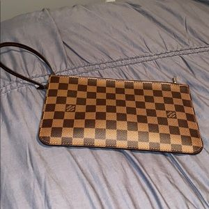 100% Authentic Louis Vuitton Neverfull MM Clutch